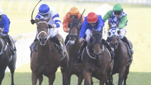 Kolding (left) fights off Savatiano to win the All Aged Stakes at Randwick. Picture: Getty Images