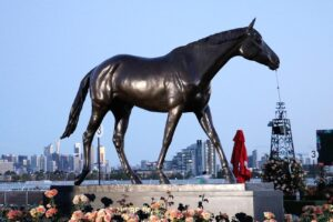 A statue of Makybe Diva.