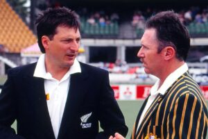 Ken Rutherford with Allan Border.