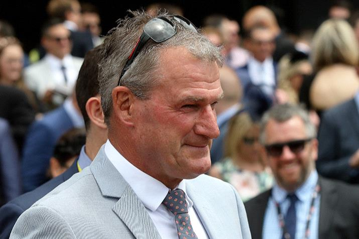 Darren Weir will have a red-hot crack at the Ballarat Cup on Saturday.