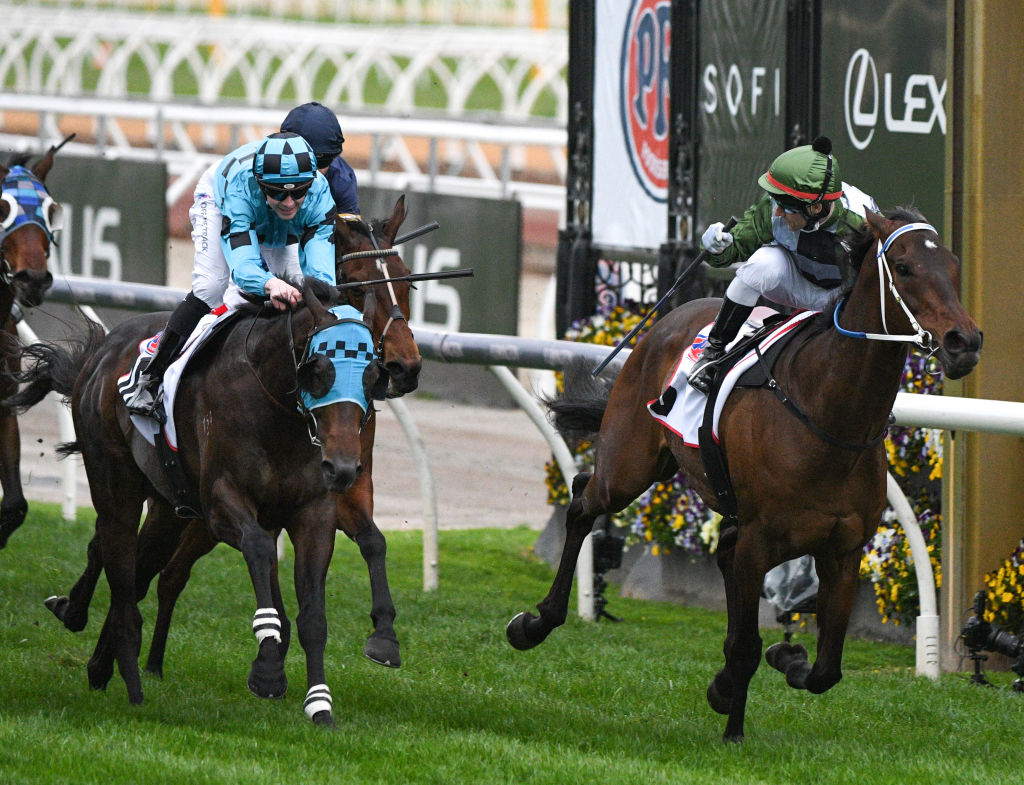 Incentivise wins the 2021 Makybe Diva Stakes