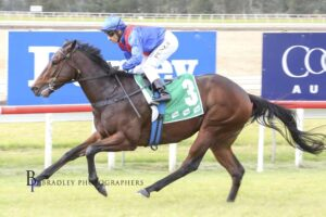Lost And Running winning on debut at Scone.