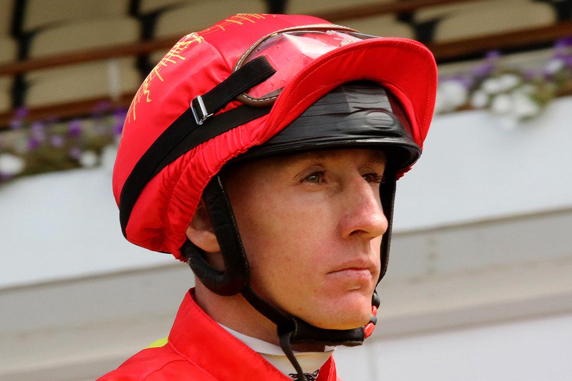 Perth star William Pike rode Top Of The Range to victory in the Bendigo Cup.