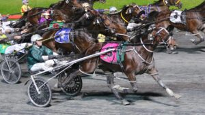 Copy That races past his rivals to win at Albion Park. Picture: Dan Costello