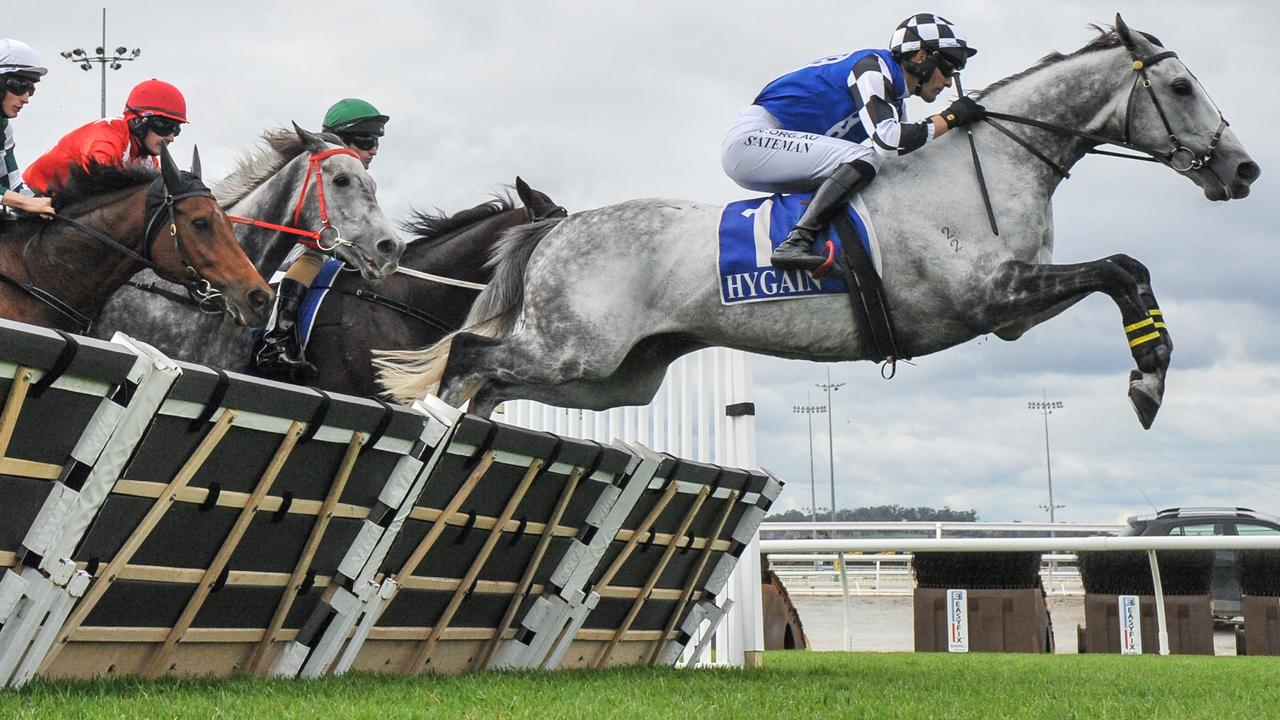 Saunter Boy surging to victory at Pakenham. Picture: Racing Photos