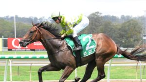 Keefy runs in the Bondi Stakes. Picture: Claire Power